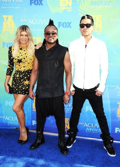 Fashion Black  Peas on The Black Eyed Peas Always Have Hot Looks In My Book  Fergie   S D G