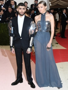 "NEW YORK, NY - MAY 02:  Gigi Hadid (L) and Zayn Malik attend the ""Manus x Machina: Fashion In An Age Of Technology"" Costume Institute Gala at Metropolitan Museum of Art on May 2, 2016 in New York City.  (Photo by Larry Busacca/Getty Images)"
